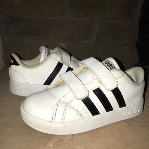 Adidas Black & White Toddler Baseline Sneakers 10